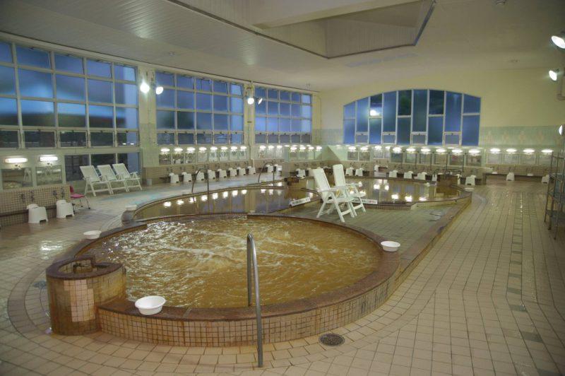 源泉かけ流しの函館 谷地頭温泉